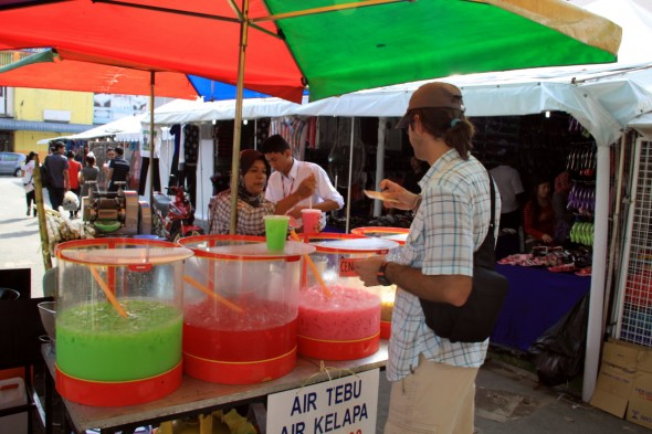 La un fresh de fructe in Port Klang