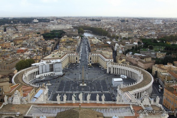 Piazza San Pietro Vatican - view from the roof of Basilica