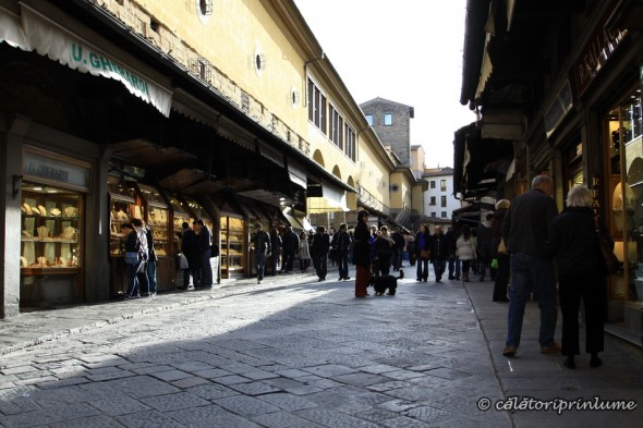 Shopping on Ponte Vecchio Firenze