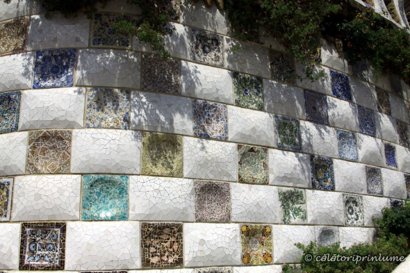 Barcelona Parcul Guell trecandis wall