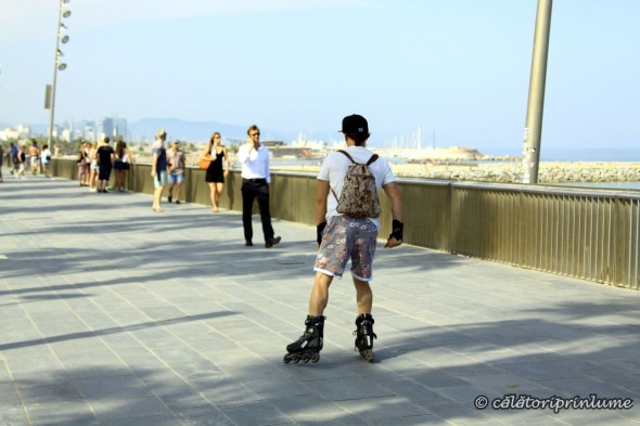 Barcelona Beach - rollerskating